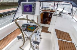Hunter 38, 38 ft, 2008, Catch The Wind