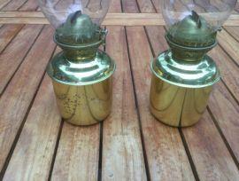 Lampes à l'huile sur gimbal